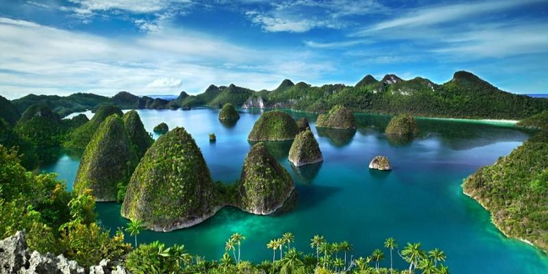 Terdiri dari 1.500 pulau kecil