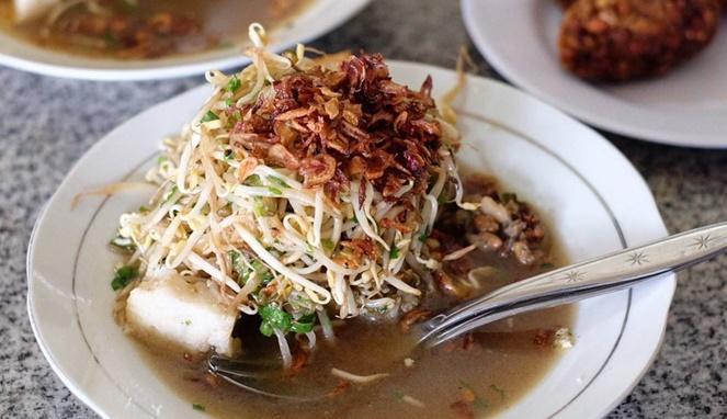 Sepiring Lontong Balap, makanan khas Jawa Timur